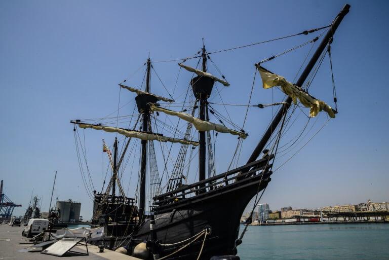 שחיזור ספינת כריסטפור קולמבוס בנמל מלגה ספרד.