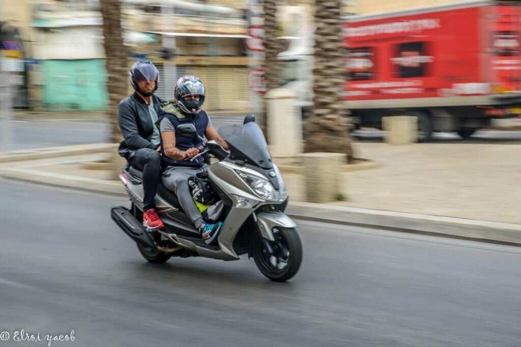 צילום מספר 1 פאנינג על אופנוע.